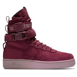 Nike SF Air Force 1 Women's Hot Pink Suede Shoe